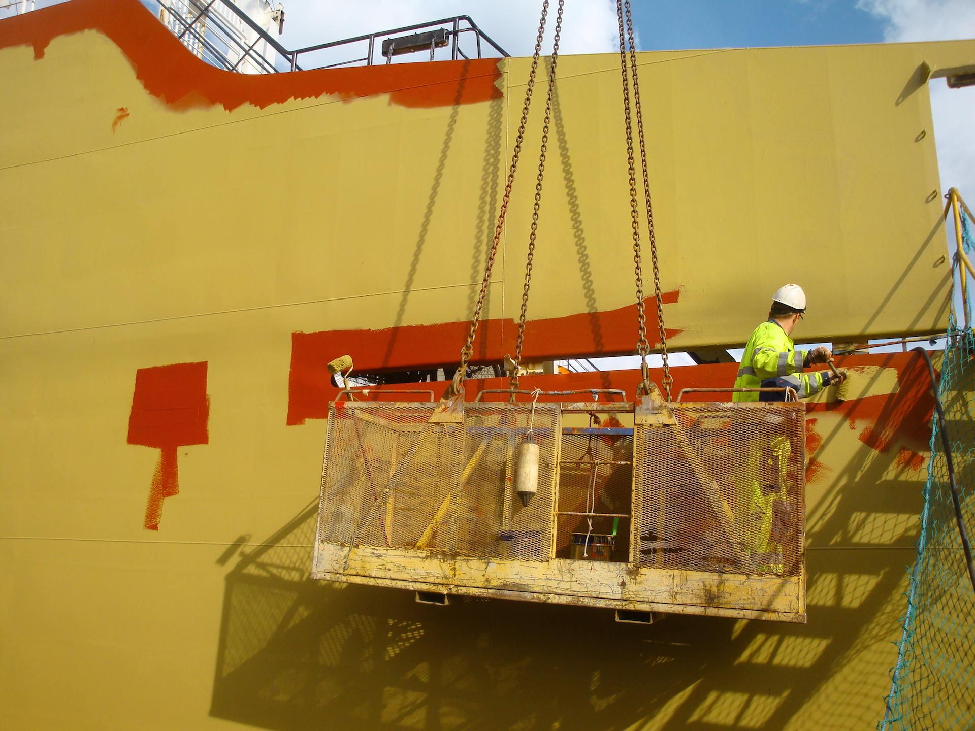 The maximum docking capacity is at maximum dwt 10 b7c35327f09a